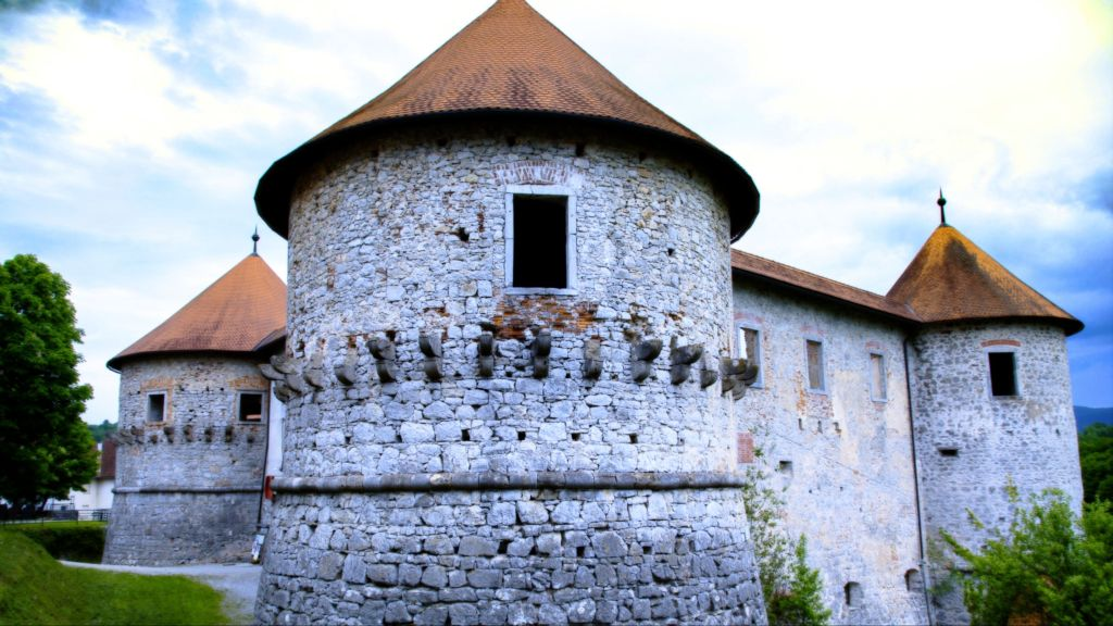 A fairytale night and day at the Žužemberk castle